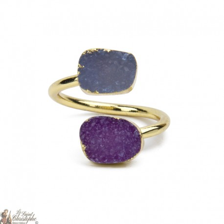 Gold ring with two agate stones