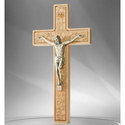 Croix bois sculptée fleurie avec christ - 21 cm