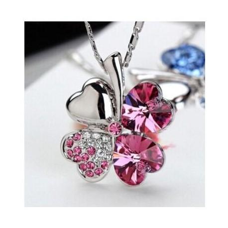 Collier trèfle rose cristal 2.1 x 2.6 cm