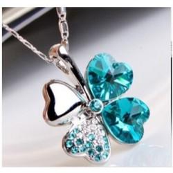 Clover necklace crystal blue 2.1 x 2.6 cm
