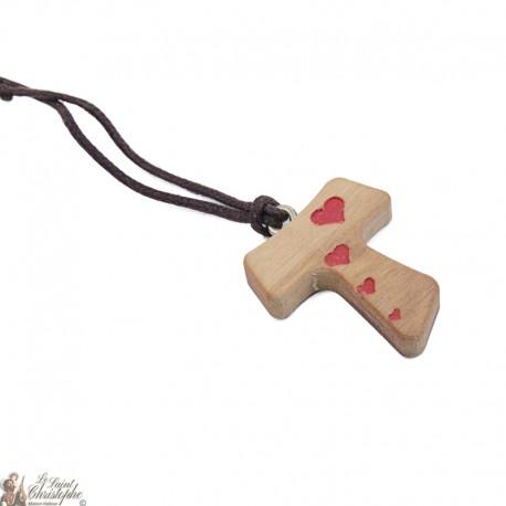 Collier Cordon et pendentif Tau en bois avec coeurs rouges