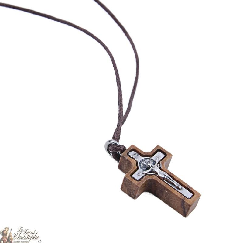 649434c1544 Cuerda del collar con una pequeña cruz de madera de olivo San Benito ...